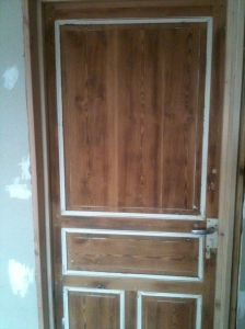 A well hung door!